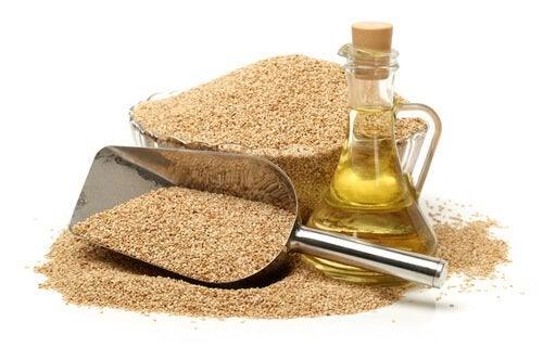 Сусамовото олио е от полезните мазнини за готвене, но не трябва да се нагрява.