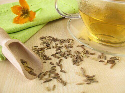 Чай от резене при отичането на краката