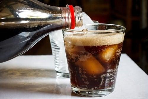 Истината за газираните напитки, които консумираме