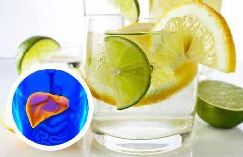 Лимонова вода за сърцето и черния дроб