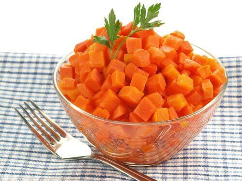 Готвени моркови при болно гърло