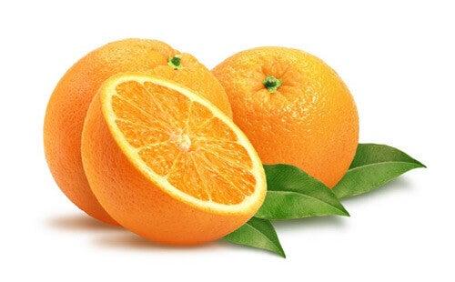 Направете крем от портокалови кори против петната и пъпките на лицето