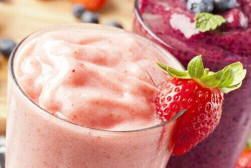 Смути с ягоди и боровинки за красива и здрава кожа