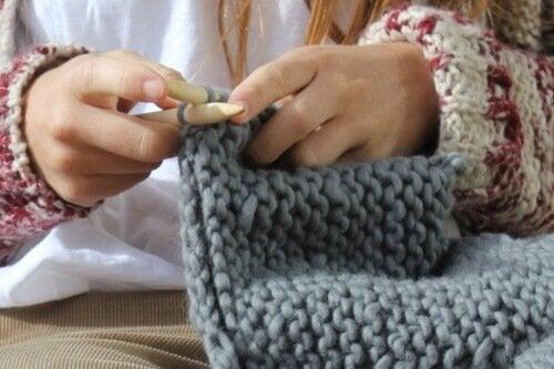Вълнена терапия: Ползите от плетенето
