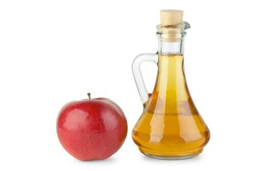 Ябълков оцет за укрепване на ноктите