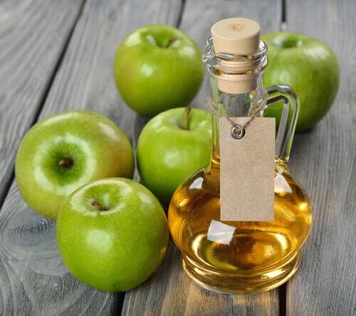 Разкрасителни процедури с ябълков оцет