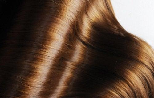 Погрижете се за здравето на косата с желатин.