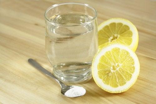 вода с лимон и сол против главоболието