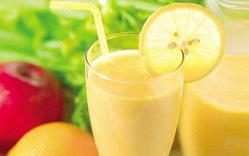Отслабнете със смути с ябълка, лимон и грейпфрут