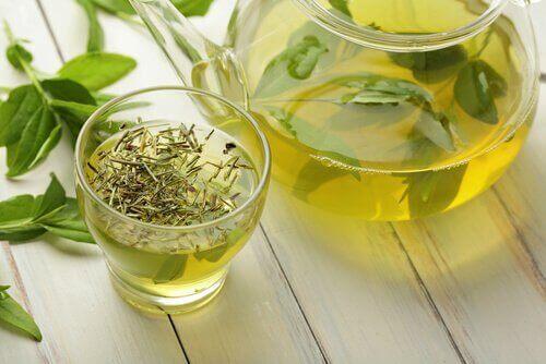 лек със зелен чай при артритни болки