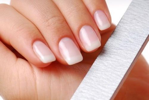 Трикове за по-здрави нокти