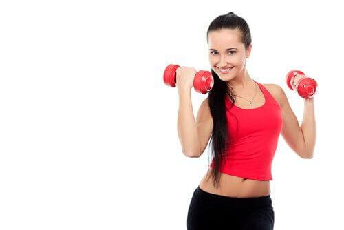 Използвайте тежести при упражнения за раменете