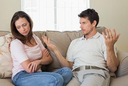 Когато изгубите интерес да прекарвате времето заедно, може би имате нещастна връзка.