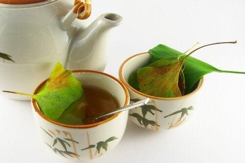 Чай от гинко билоба срещу студени крайници