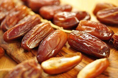 Сушените плодове, особено фурмите са изключително полезни за здравето.
