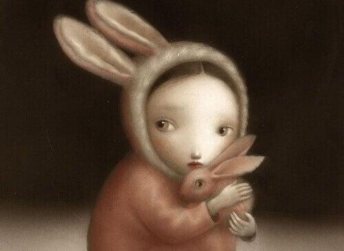 Момиче с костюм на зайче