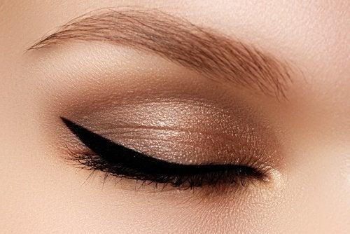 козметични трикове - пробвайте моделът котешко око