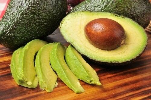 Какво става с холестерола при ежедневна консумация на авокадо