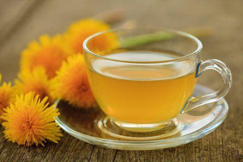 Чай от глухарче за детоксикация на черния дроб