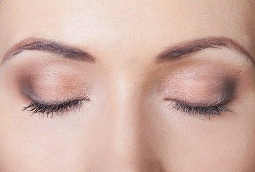 Именно петият стадий е т.нар. дълбок сън. Познат е още като фаза REM