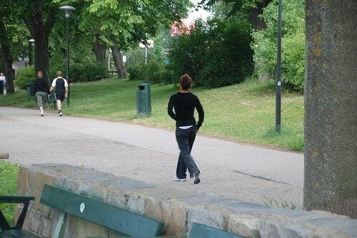 Скоростта на ходене е важна ако искате да отслабнете