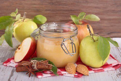 Ябълков сос за деца и възрастни хора