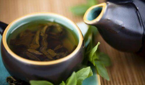 Зелен чай, лимон и стевия за оздравяващо прочистване на тялото