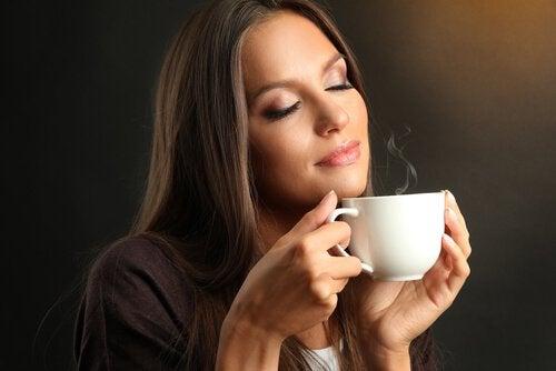 Първата чаша кафе, която пиете сутрин засилва краткосрочната памет