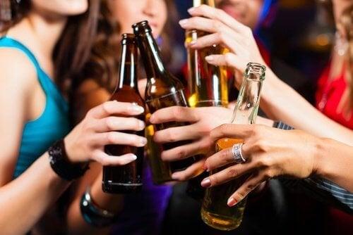 Прекаляването с алкохол може да повиши симптомите на мигрена с над 30 %.