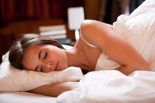 Студеният душ за лечение на безсъние.