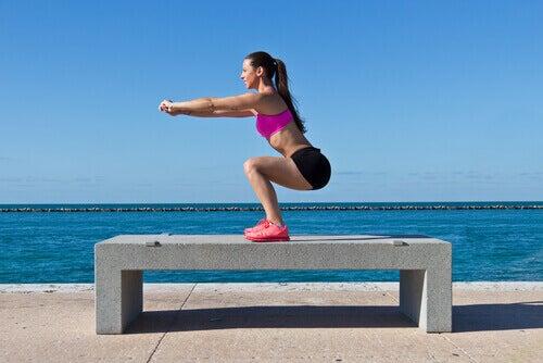 Клякане - упражнение за седалищните мускули