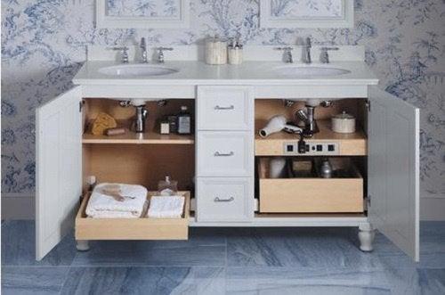 Шкаф под огледалото в банята