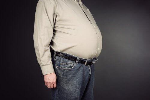 натрупване на телесни мазнини в областта на корема