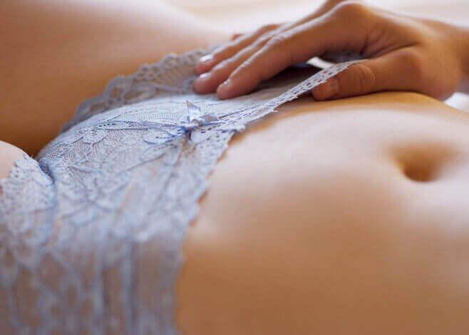 Вредно ли е бръсненето или отстраняване на окосмяването по половите органи?