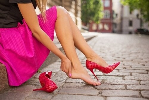 12 невероятни трика, за да не ви убиват обувките