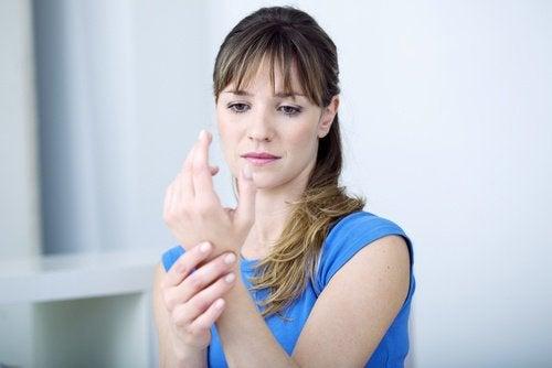 Появата на мускулни проблеми е в следствие на нарушения на щитовидната жлеза