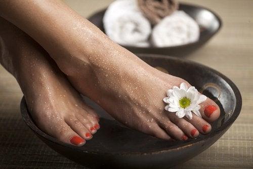 борба с гъбичките по ноктите на краката
