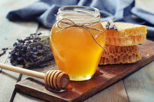 Много е важно как да избираме пчелния мед