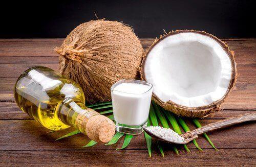 Кокосово масло за изправяне на косата