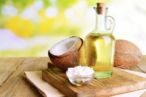 кокосово масло в борбата срещу тъмните кръгове
