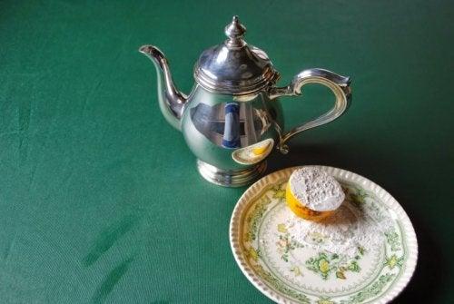 лимон за почистване на среброто