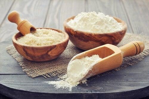 Оризово брашно за изправяне на косата