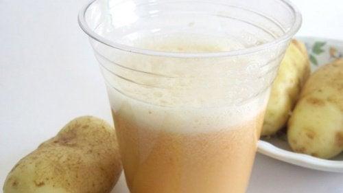 Картофена вода срещу побелялата коса