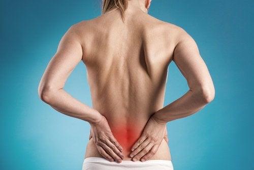 болките в гърба са признак за бъбречно заболяване