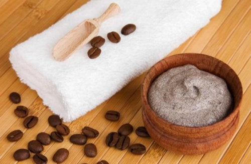 Утайката от кафето сутрин е чудесен начин да се преборите с разширени вени