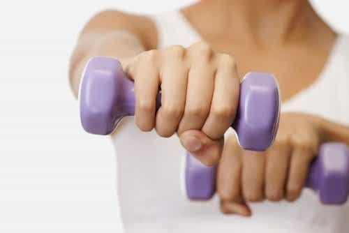 Стягане на бюста: 5 лесни упражнения
