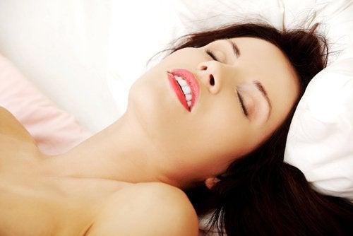 Един от най-интензивните типове женски оргазми е смесения.