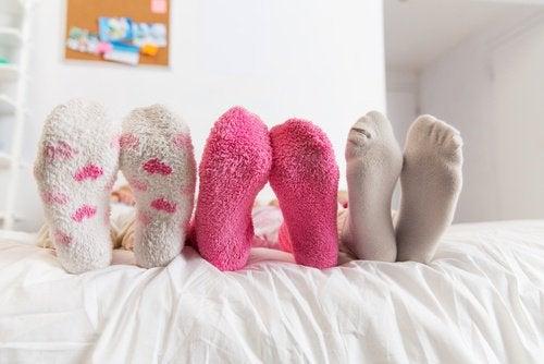 ако спите с чорапи тялото ви ще е топло през цялата нощ