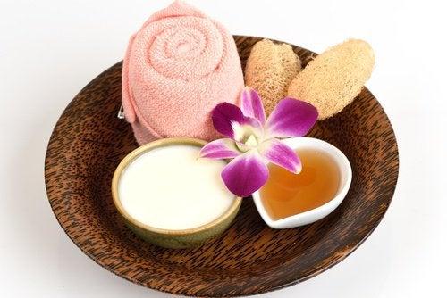 Приготвяне на натурален крем за изсветляване на кожата.
