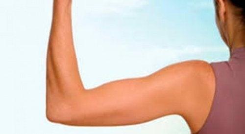 6 ефикасни упражнения за стягане на ръцете